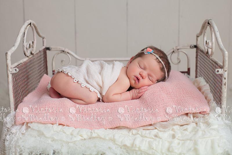 Nottinghamshire baby photographer