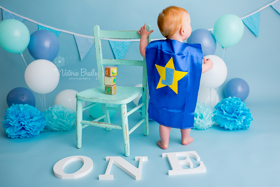 1 year old boy cake smash session in derby