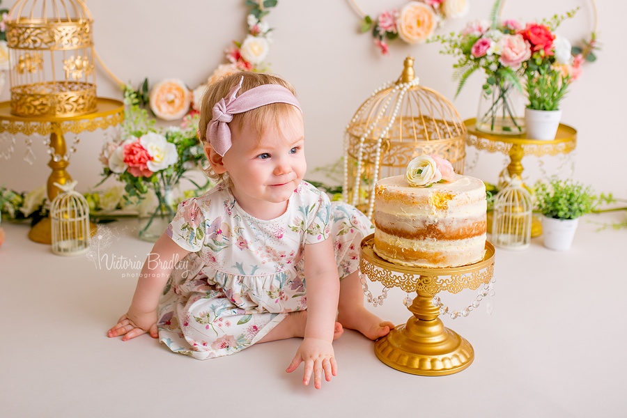 baby girl cake smash with flowers