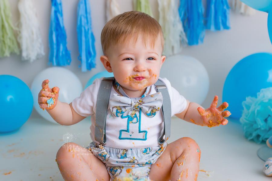 baby boy cake smash peter rabbit