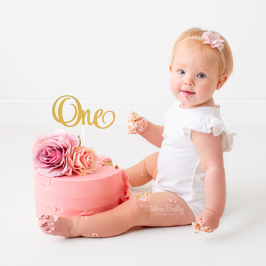 baby girl first birthday cake smash