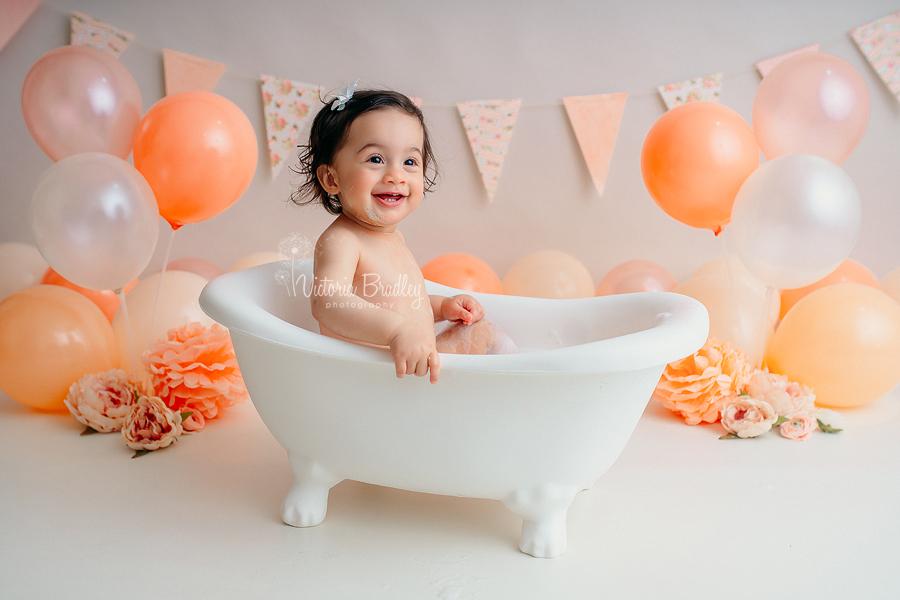 baby girl bath tub cake smash