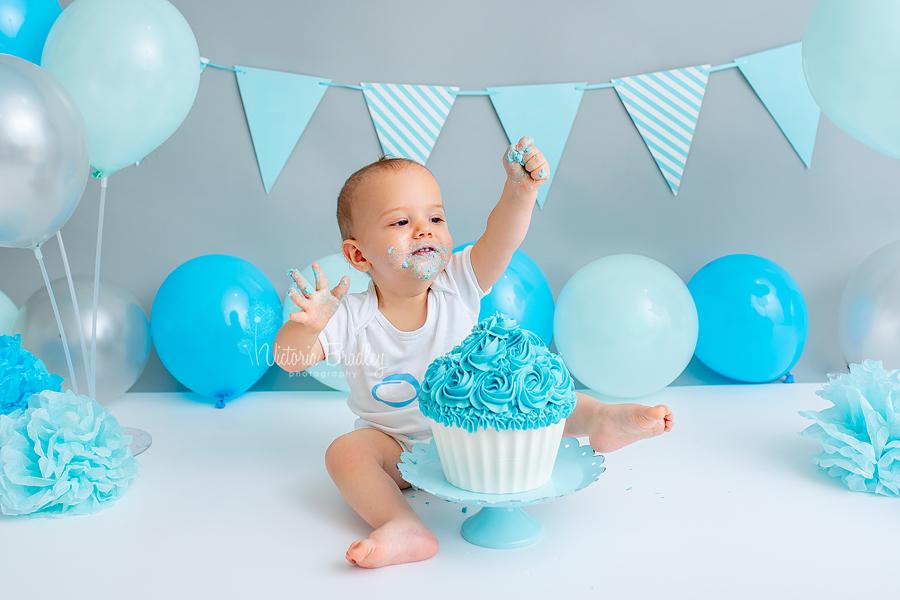 baby boy 1st birthday cake smash