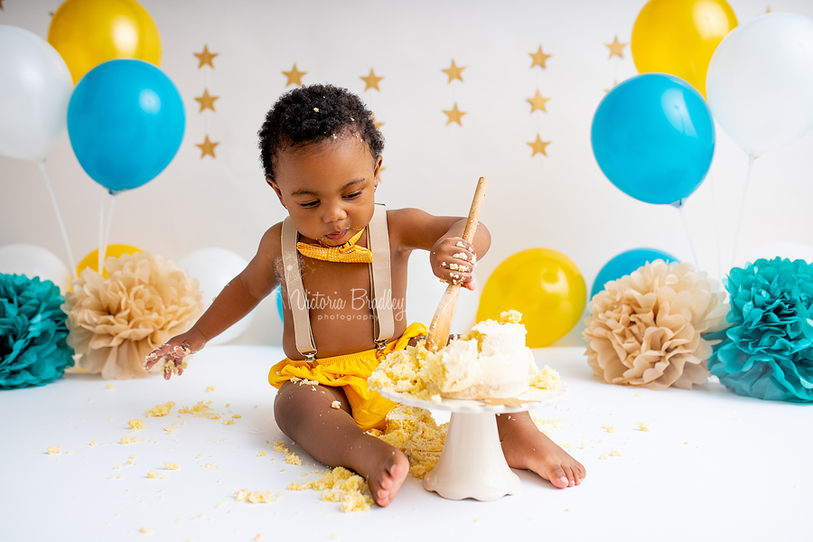 baby cake smash jade and gold and white
