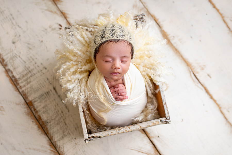 sleepy older newborn photography
