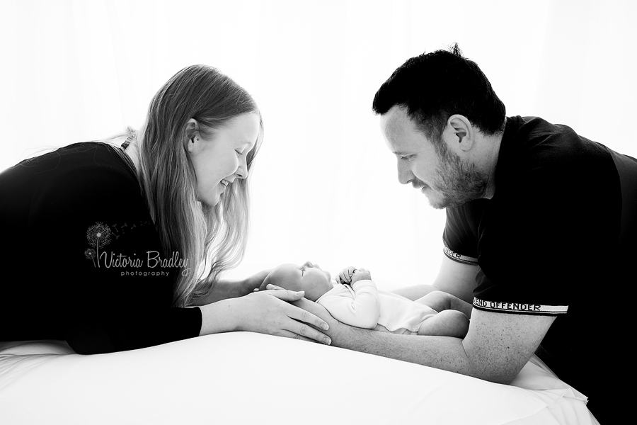 parent and newborn images
