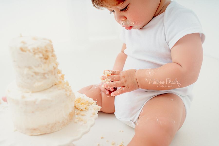 natural baby cake smash photography