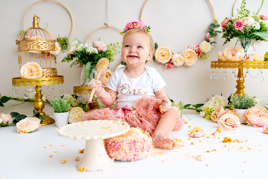birdcages and floral hoops cake smash