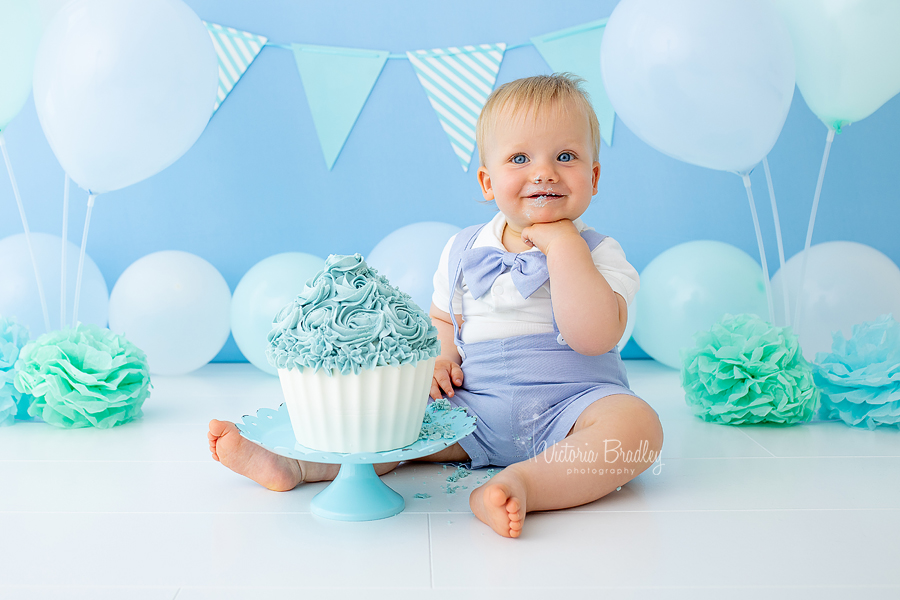 baby boy Chanel pose cake smash