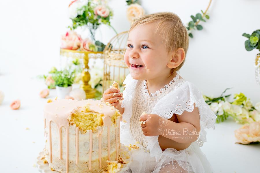 floral cake smash baby girl