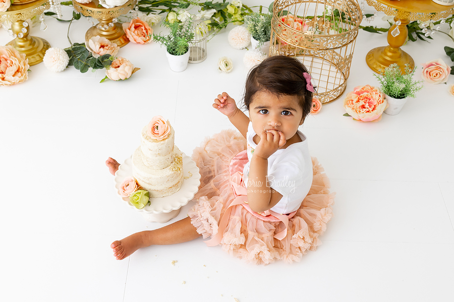 1 year old girl floral cake smash