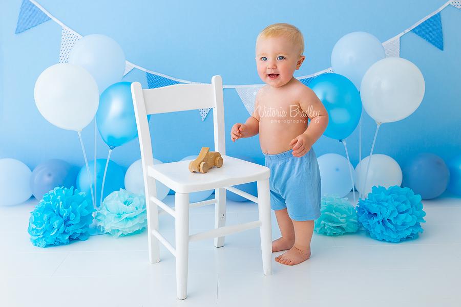 baby boy blues cake smash