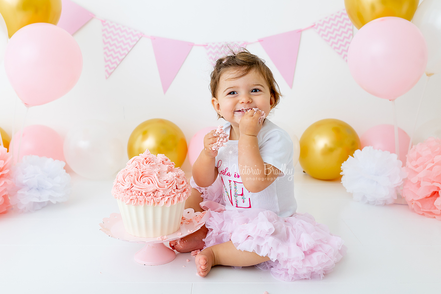 baby girl gold and pink cake smash