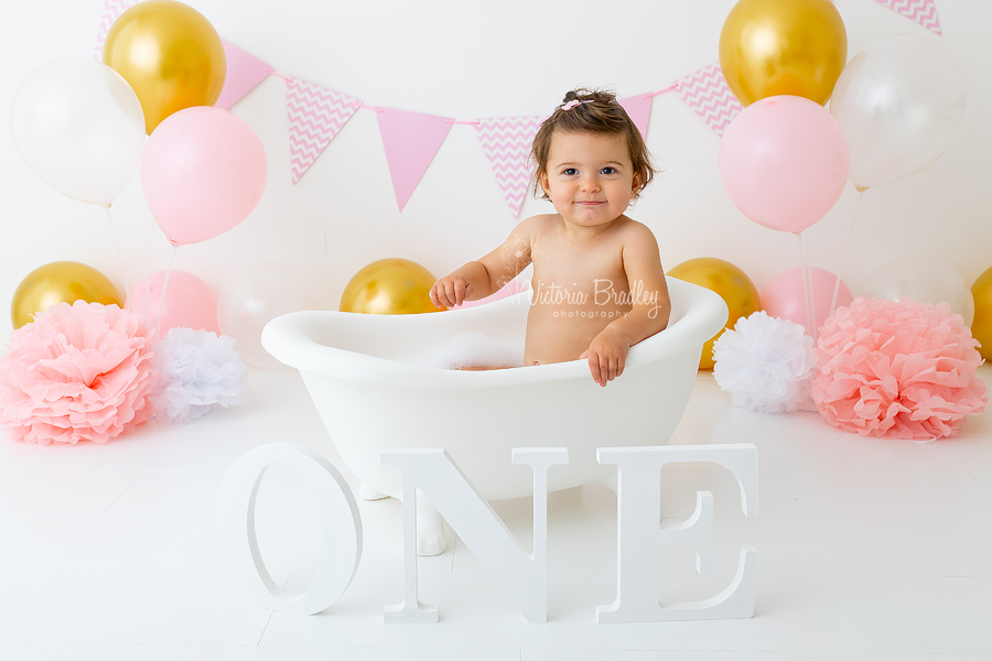 pink and gold cake smash bath tub